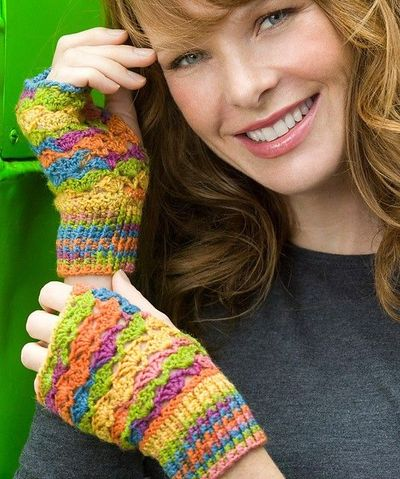 Free Crochet Patterns Lace Gloves : Free Crochet Lace Fingerless Gloves Pattern. / knits and ...