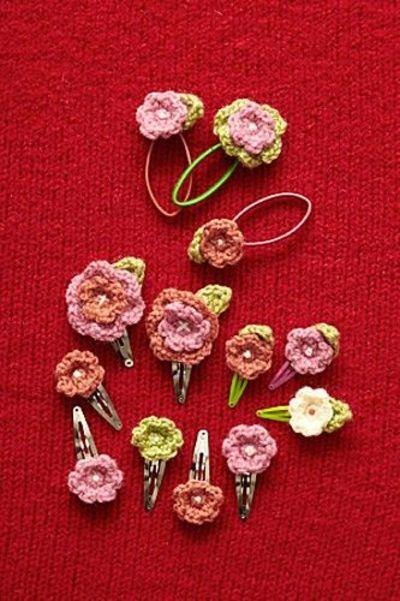Crochet flower hair accessories with pattern / crochet - Juxtapost