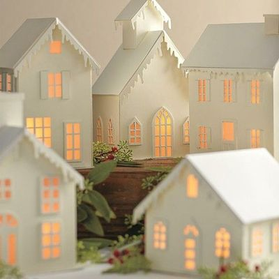 Paper village luminaries papercraft juxtapost - Petite maison de noel decoration ...