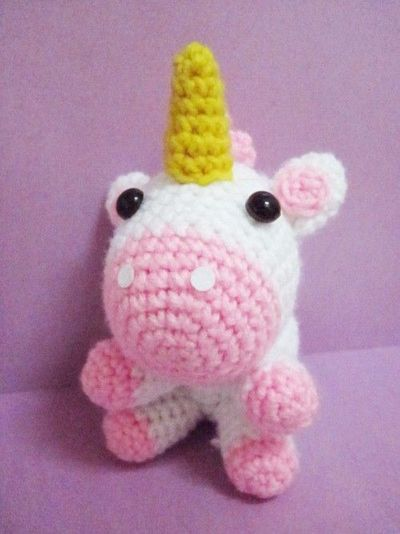 Crochet Unicorn : free unicorn crochet pattern its so fluffy! / crochet ideas and t...