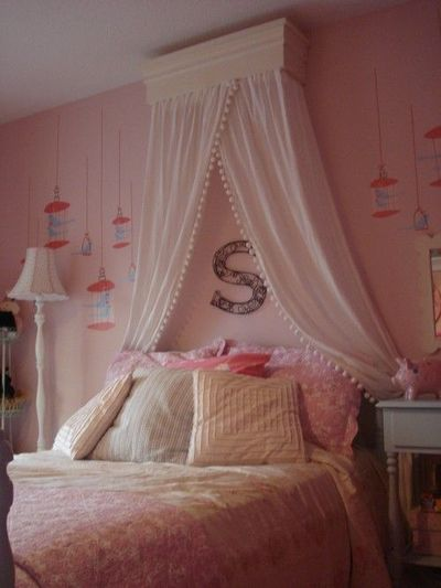 love the curtains over the bed kids rooms juxtapost best 25 curtain over bed ideas on pinterest