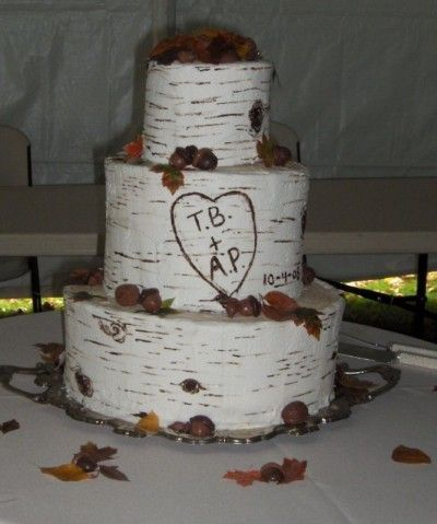Cute wedding cake... or anniversary cake!