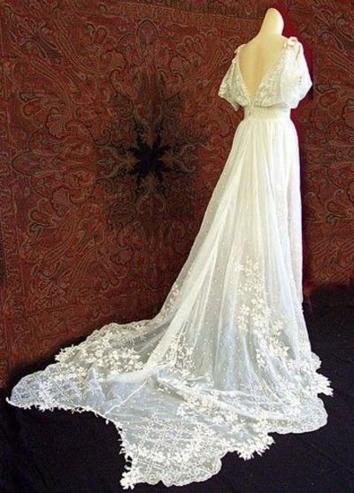 1930s antique style ivory lace wedding dress gowns for Ivory vintage lace wedding dress