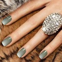 Vert wearable Ombre Nail Trend