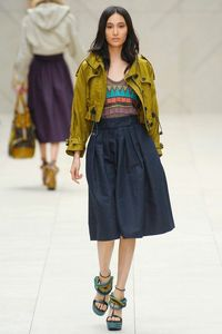 Burberry Prorsum | Spring 2012 - Shoes and skirt are slaying me. <3