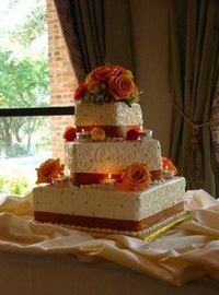 Fall Wedding cake - with votives