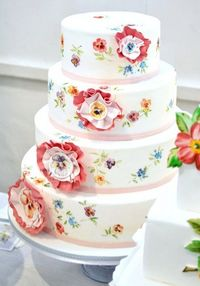 Gorgeous wedding cake by Nevie Pie Cakes