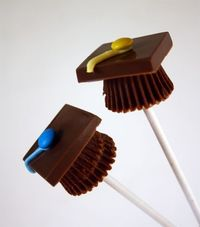 How to Make Candy Graduation Cap Pops ;)