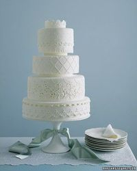eyelet wedding cake, love it!