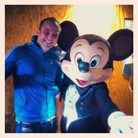 �€œMe and my boss! #disneylandparis #mickeymouse #pictureoftheday #mickey #disney #waltdisneystudios�€