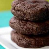 Double Dark Chocolate Chip Cookies: A rich, dark and delicious chocolate chocolate chip cookie recipe inspired by the Dark Chocolate coo...[read more at Food Frenzy]