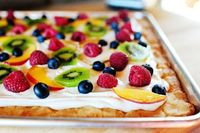 deep dish fruit pizza