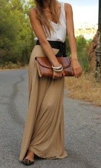 Love this. Long skirt, tank, belt, clutch bag. Yes!