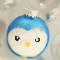 Little Gray Fox: Holiday DIY: Painted Ornament Tutorial
