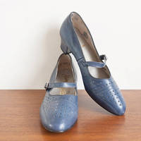 Vintage 1960s shoes / blue leather / 60s mod mary janes 8.5 from etsy.com