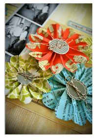 Paper flower DIY Lisa Dickinson lisadickinson.typ...