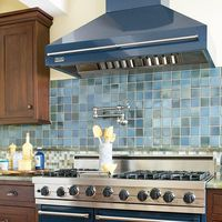 The pot filler faucet and big stove I want in a remodeled kitchen